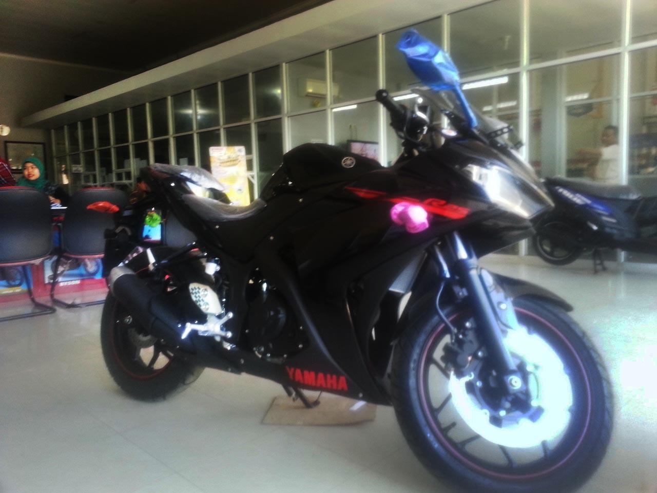 Bagi Yang Udah Dapet Yamaha R25 Warna Hitam Mungkin Ini