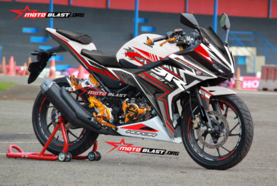 Graphic Kit Honda All New CBR150R White slash