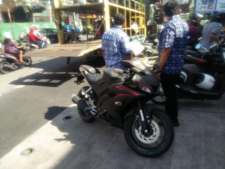 Modifikasi Striping Honda New CBR150R AGV Pista Shark